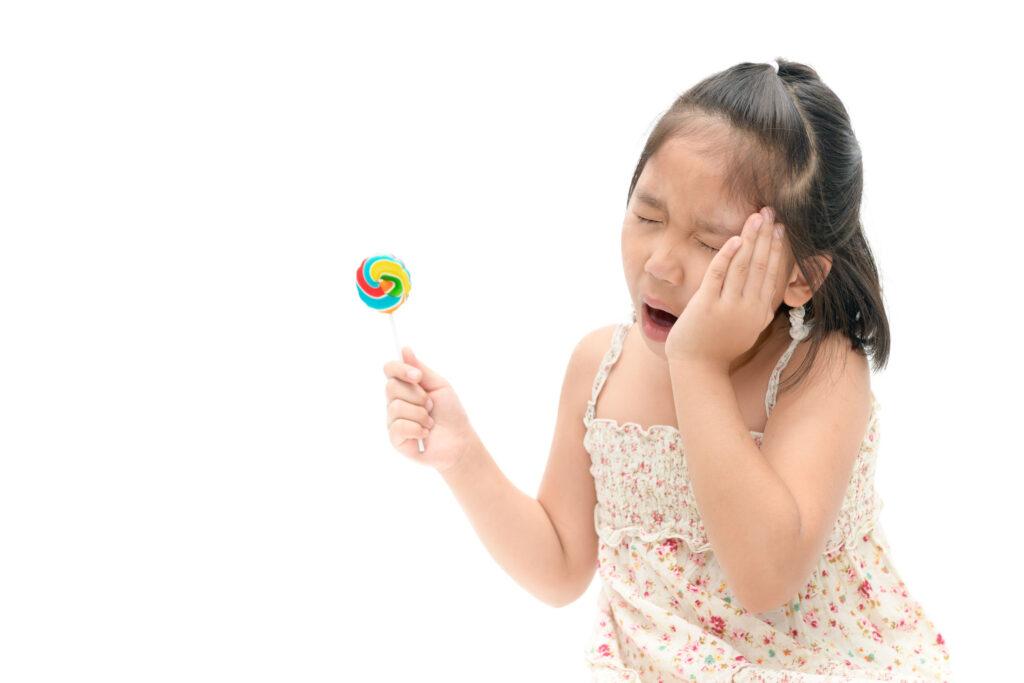 有研究發現香港半數學前兒童患有蛀牙,情況較其他亞洲地區嚴重 。