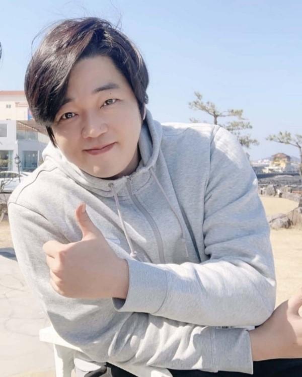 韓國演員文智允今年因咽喉炎住院,最終因急性敗血症而逝世。