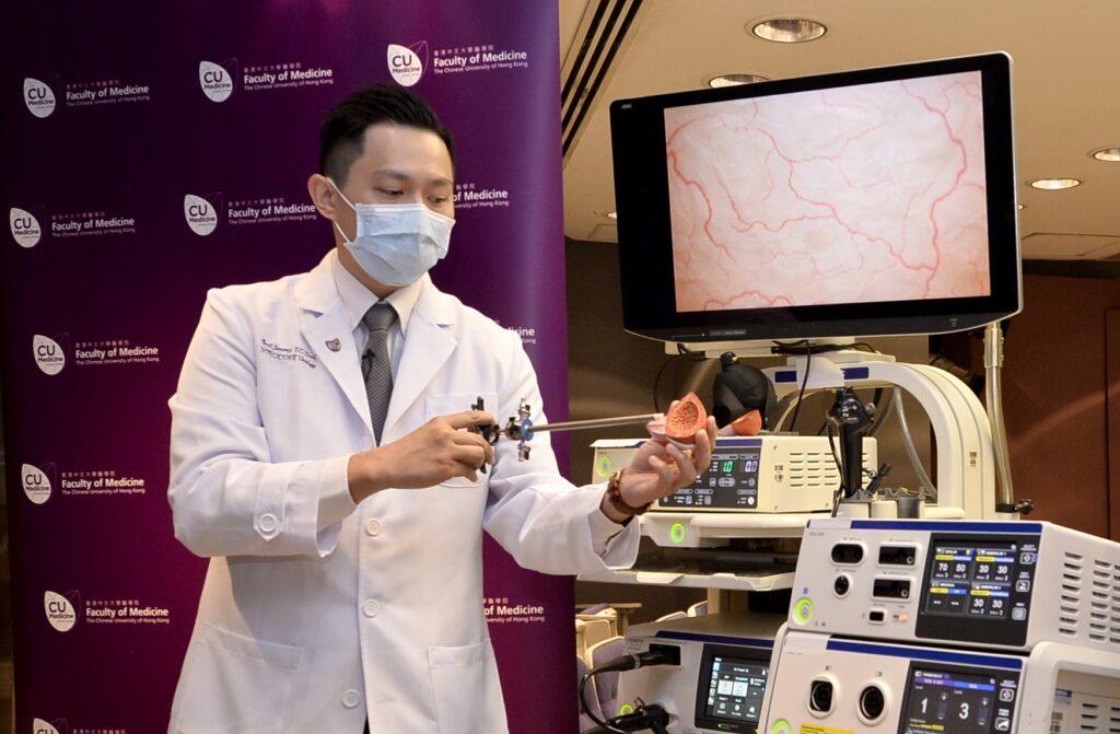 張源津醫生表示,經尿道膀胱腫瘤整塊切除術能將腫瘤一整塊切除,避免把腫瘤切割分散,以降低腫瘤復發的風險。