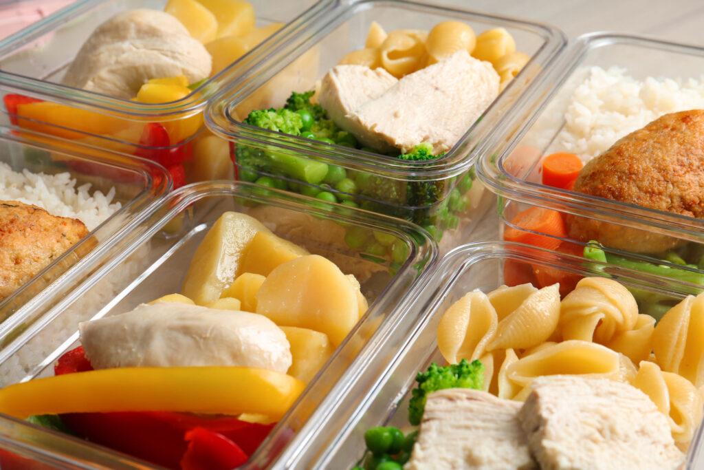 不少人趁假日一次煮定幾日午餐飯盒。