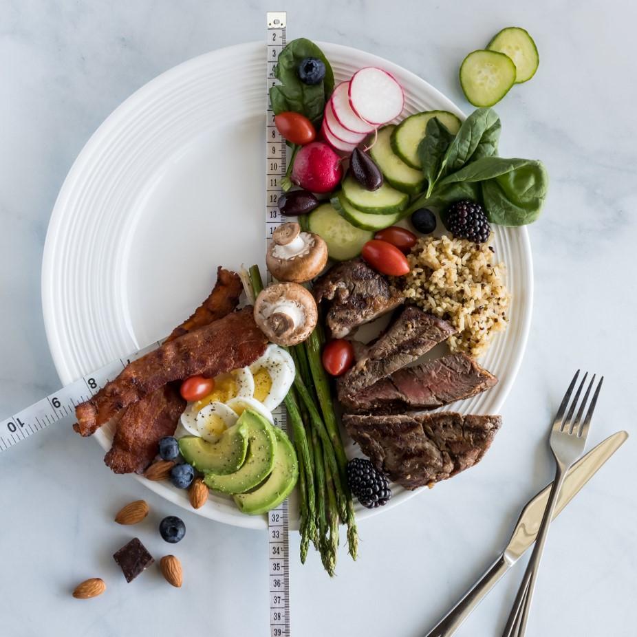 「168減肥法」是指一天內限於8小時內完成進食,其餘 16 小時斷食。
