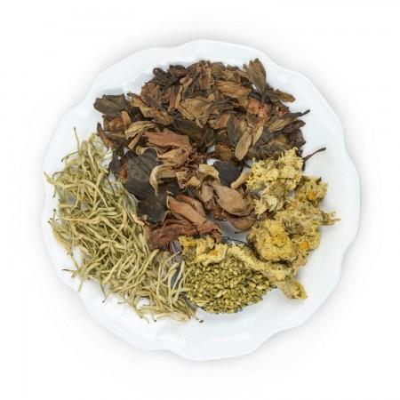 五花茶一般是用金銀花、木棉花、菊花、槐花和雞蛋花這五種花朵製成的,都有清涼降火的功效。